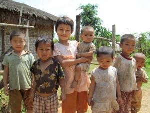 Children in Shan village