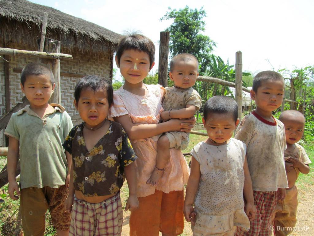 Children in Shan village