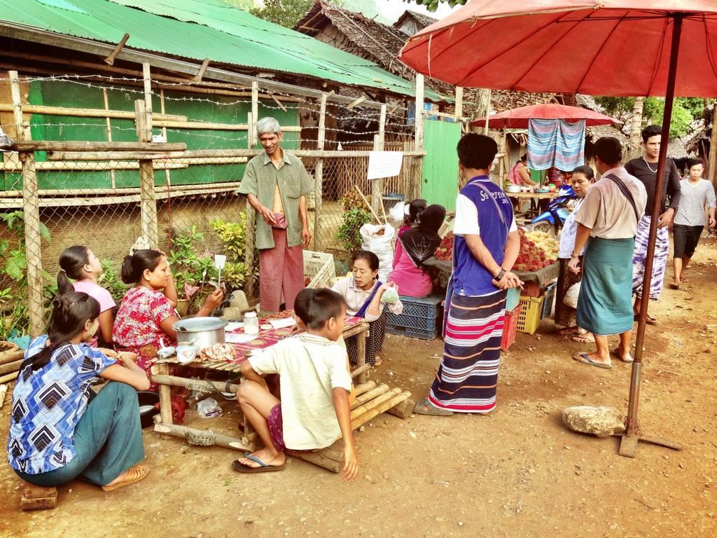 Mae La market