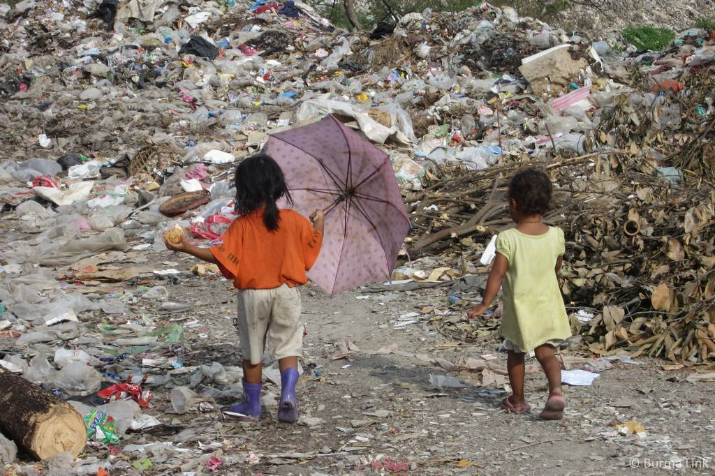 Living Off Rubbish In The Mae Sot Dump Burma Link