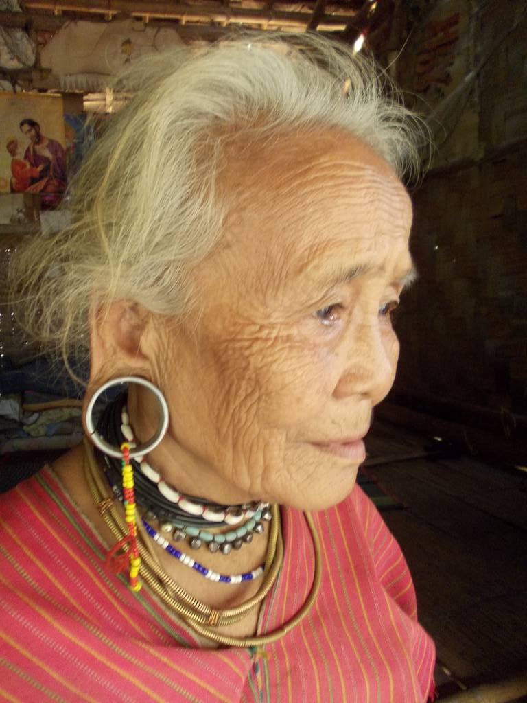 Karenni woman in Ban Mai Nai Soi