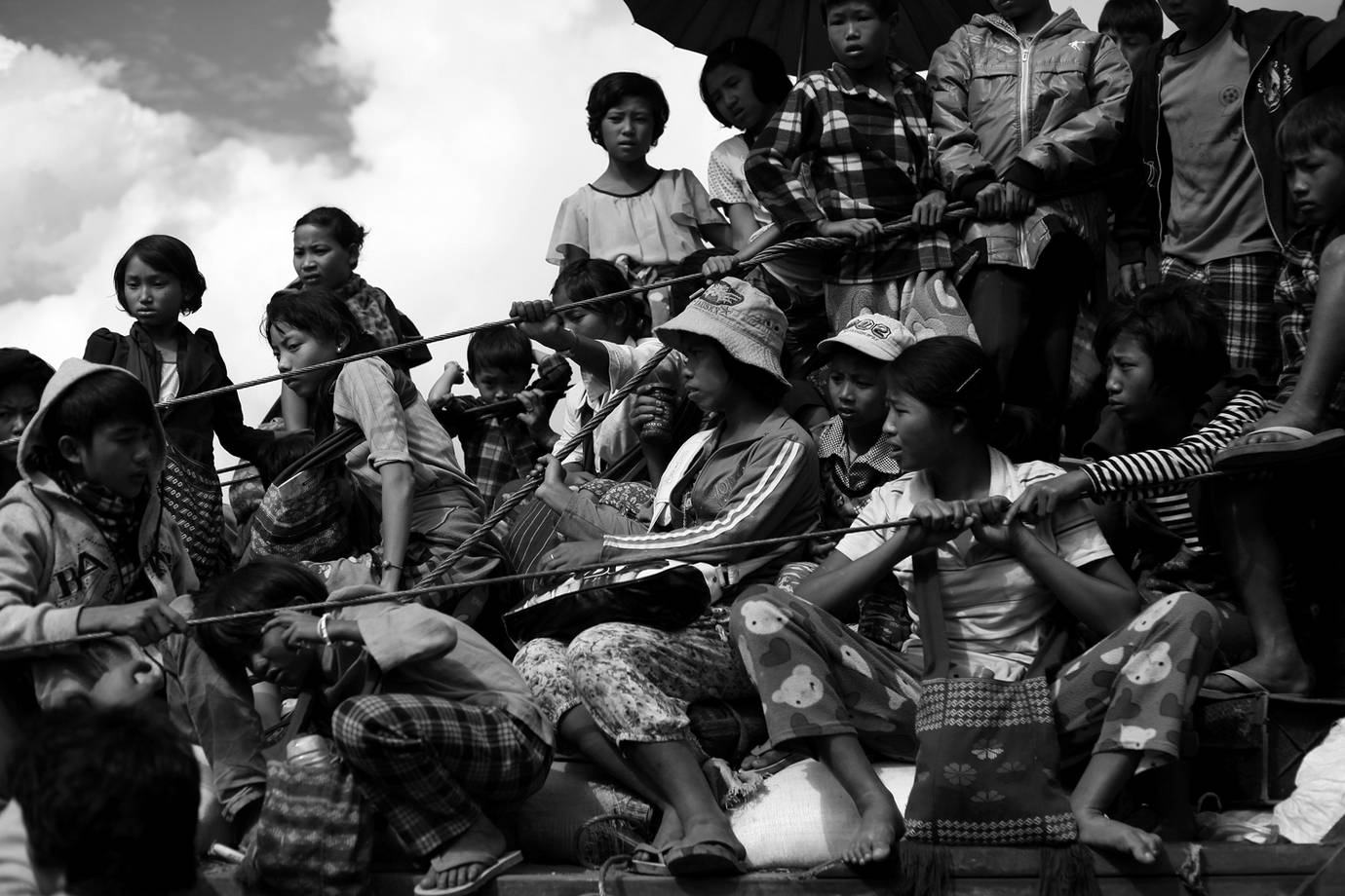 Kachin IDPs fleeing Namlim Pa. (PHOTO: Lee Yu Kyung)