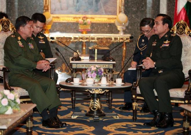 Myanmar's Commander-in-Chief Senior General Min Aung Hlaing (left) and Thai army chief and junta leader General Prayuth Chan-ocha during their meeting at Royal Thai Army headquarters in Bangkok on July 4. Photo: Chanat Katanyu/EPA/Pool