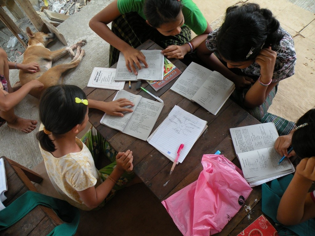 ... Human Rights Foundation Of Monland, And Burma Partnership, And Read  More About The Mon Armed Struggle And IDPs (internally Displaced Persons) In  English ...