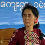 Aung San Suu Kyi Stops in Burma's Mandalay Region to Sell Peace Process